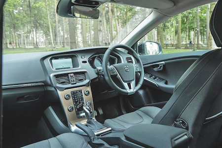 Review The Volvo V40 T3 R Design Nav Plus The Voice Online